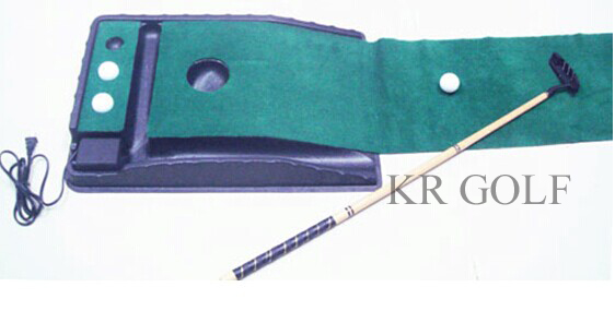 Golf putting trainer with ball Return